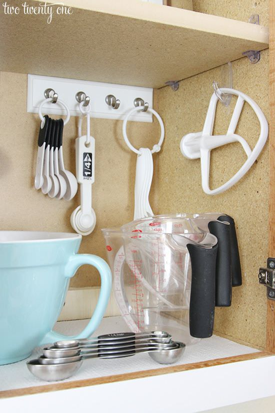 Make your kitchen the best and most organized part of your with these super easy and budget-friendly tricks to ORGANIZE your kitchen!