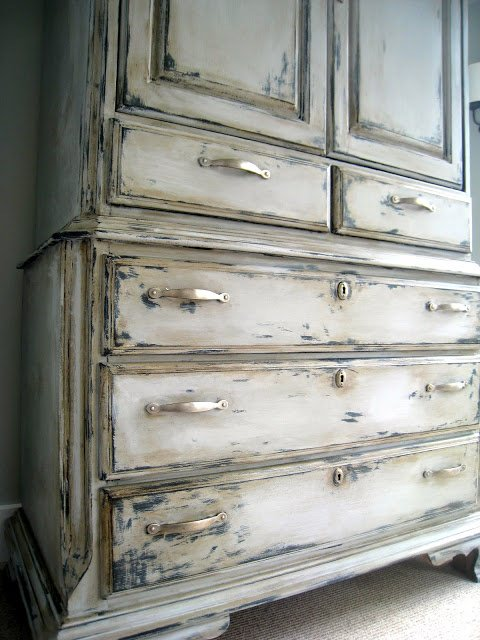 8-tips-for-distressing-furniture4