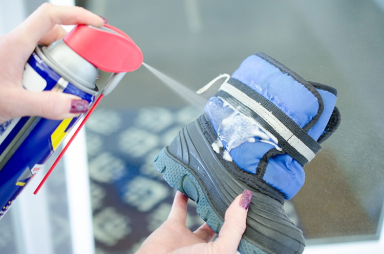 After knowing these 10+ tricks you may wonder why you'd never thought of these Smart WD-40 Hacks. Check out!