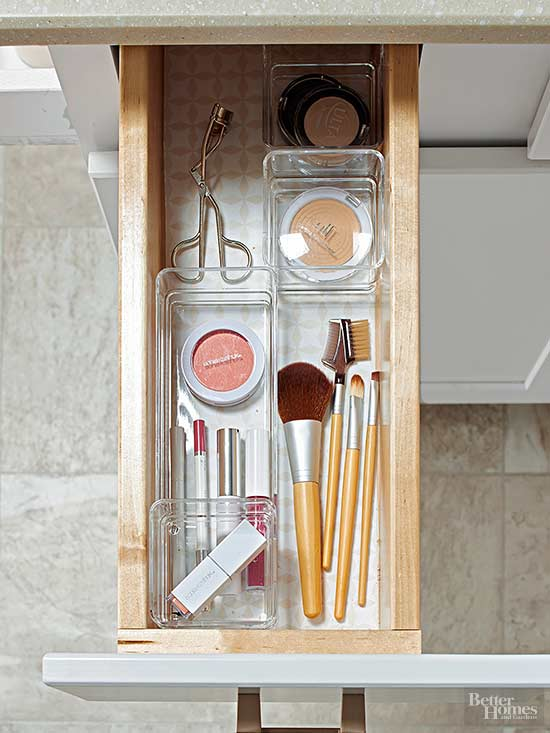 If you only have a small vanity and the storage space is limited ten you'll need to make use of space smartly in your small bathroom!